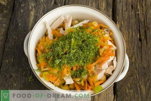 Salade met gerookte kip en kikkererwten