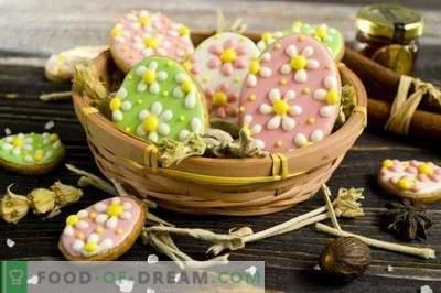 Velikonočni piškoti s sladkorjem v prahu