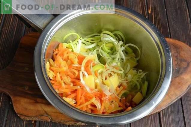 Rijstsoep met kipfilet en prei