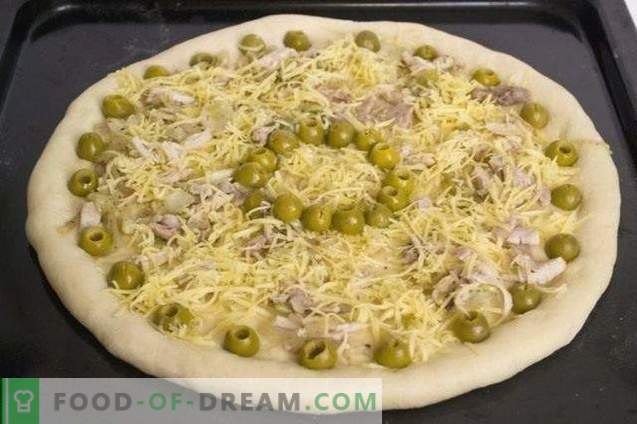 Pizza met kip en cherrytomaatjes