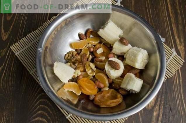 Vegetarisch fruit en notentaart