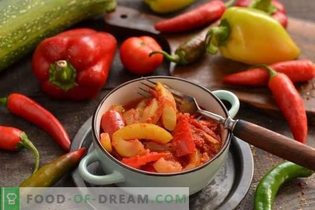 Courgettesoepjes met tomaten en paprika's