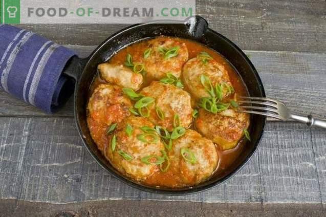 Gehaktballen met jus van tomaat en paprika's