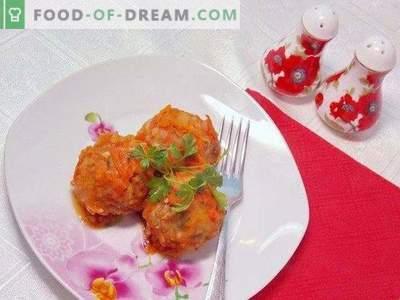 Măștile de masă coapte în sos de roșii
