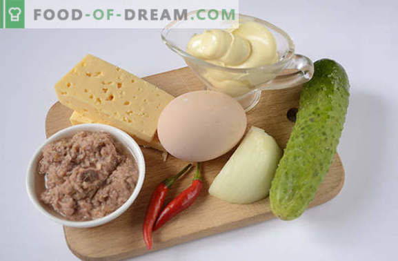 Tonijnsalade: een nuttige eiwitrijke snack. Stapsgewijze receptauteur's fotorecept voor een pittige salade met tonijn, eieren, kaas