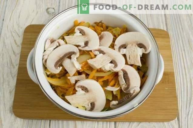 Kippensoep met groene erwten en champignons