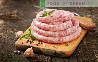 Zelfgemaakte varkens- en rundvleesworst: kwaliteit en zuinigheid. Eigengemaakte varkensvlees en rundvleesworsten - heerlijk!