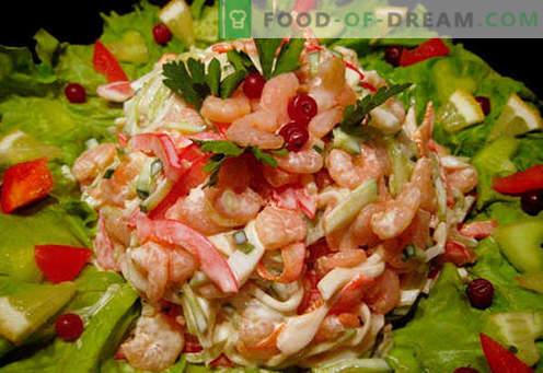 Salade met garnalen en inktvis - bewezen kookrecepten. Een salade koken met garnalen en inktvis.