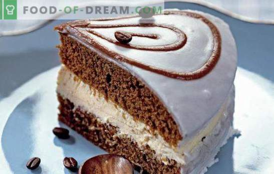 Koffietaart is een geurig dessert voor alle koffieliefhebbers. De beste recepten voor koffiekoeken: eenvoudig, met fruit, met meringue, zonder bakken