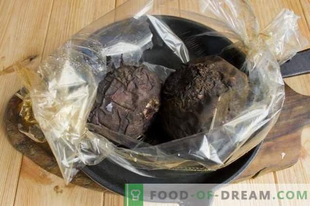 Oekraïense borsch met reuzel en gebakken bieten