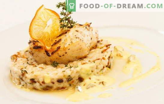 Vis in room: koken is gemakkelijk, eten is handig. Opties voor het koken van vis in room: met champignons, kaas, garnalen