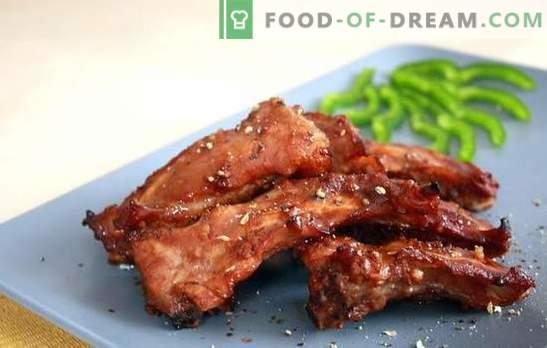 Varkensribben in een slowcooker - een aromatische snack en een volledige schotel. Recepten van gefrituurde en gestoofde varkensribbetjes in een slowcooker