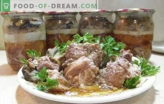 Zelfgemaakte varkensstoofpot: kooktrucs. Koken zelfgemaakte varkensstoofpot in de oven, slowcooker, dubbele ketel