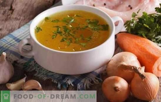 Transparante kippenbouillon is de basis van heerlijke en mooie soepen. Hoe de kip van vlees en vlees thuis te verlichten