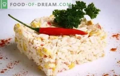 Krabsalade (stap voor stap recept) is een originele snack gemaakt van eenvoudige producten. Stapsgewijs recept voor krabsalade: selectie en bereiding van ingrediënten