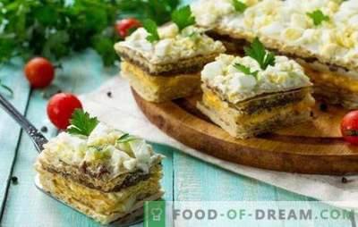 Wafelcakes met haring - heerlijk! Eenvoudige wafeltaarten met haring en champignons, kabeljauwlever en groenten