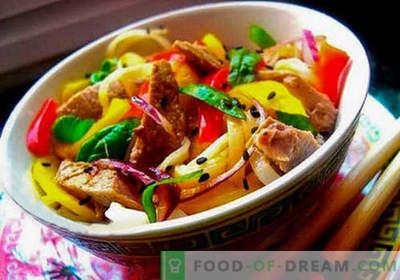 Thaise salade - vijf beste recepten. Hoe goed en smakelijk Thaise salade te koken.