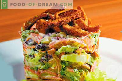 Salade met worst en bonen - de beste recepten. Hoe goed en smakelijk gekookte salade met worst en bonen.
