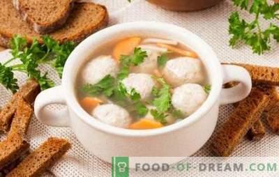 Soepen met kipballetjes - voor kinderen en volwassenen. Kook soep met kip gehaktballen huis-stijl, lekker en goed