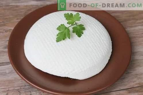 Kaas of fetakaas thuis. Zelfgemaakte kaas maken is lekker en goedkoop.