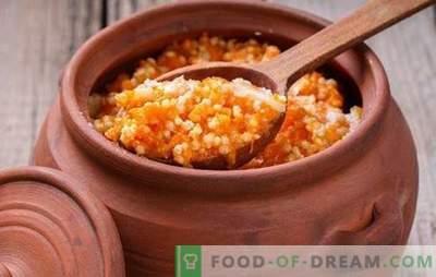 Gierstpap met pompoen in een pot wordt zonder Russische oven gekookt. Lenten, zoete en kruimelige gierstpap met pompoen in een pot