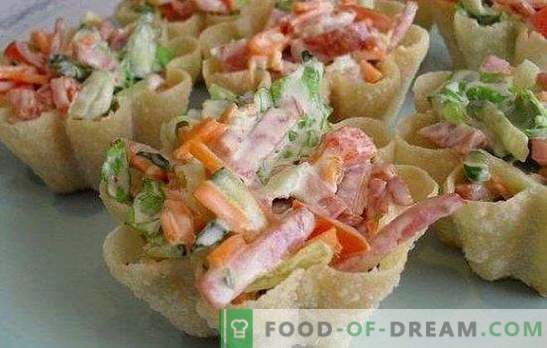 Salade met wortelen en worst - we combineren lekker, gezond en mooi. De beste recepten voor salades met wortelen en worst