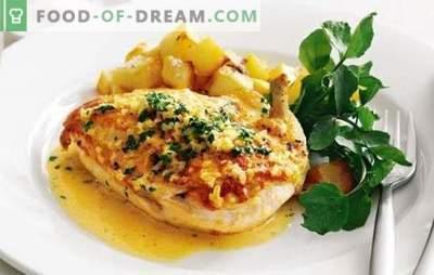 Kip met aardappelen, knoflook en mayonaise - voor een familiediner! Koken en delen van kip met aardappelen, knoflook en mayonaise