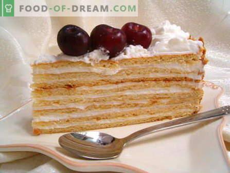 Zure roomcake - de beste recepten. Hoe goed en lekker zure room koken.