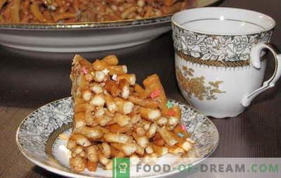 Deze chak-chak is thuis een recept. Alle trucjes en geheimen van het koken van honing home chak-chak