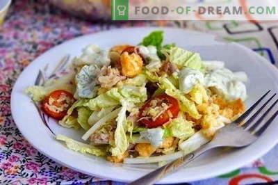 Салата со пилешко и кинеска зелка се најдобри рецепти. Готвење правилно салата од пилешко и кинеска зелка.