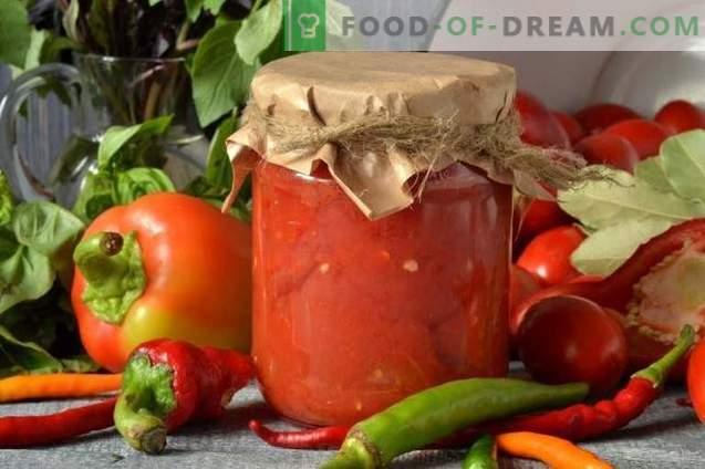 Paradižnik v lastnem soku z bolgarskim poprom za zimo