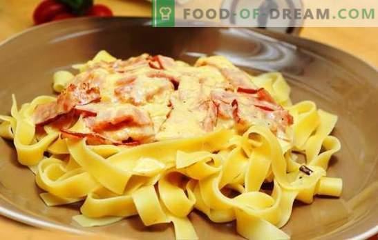 Pasta carbonara met ham en room: traditie op een nieuwe manier! Hoe pasta carbonara koken met ham, room, parmezaan, champignons