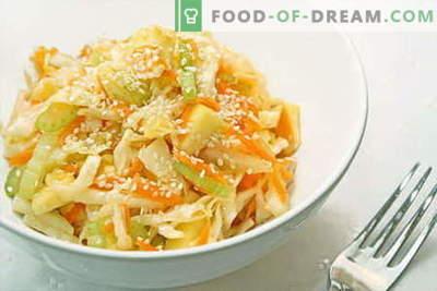 Koolsalades zijn de beste recepten. Koken van salades van verse, bloemkool, zee en Chinese kool.