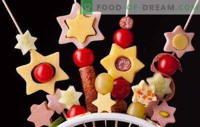 Canape voor kinderen - leuk vuurwerk op tafel! Recepten voor miniatuur canapés broodjes voor kinderen: zoet en zout