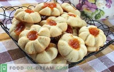 Kurabe thuis - koekjes uit een verre kindertijd. Oven kruimelige, mooie en geurige kippen thuis