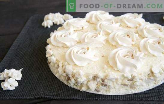 Flying Cake is een klassiek dessert uit de Sovjettijd. De beste recepten van de cake