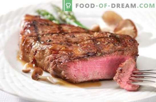 Gegrild rundvlees - vlees met blos! Gegrilde biefstuk met groenten, ui, honing, knoflook en mayonaise marinade