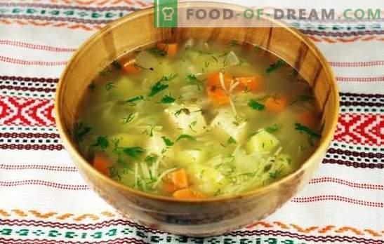 Kippensoep met aardappelen: een smakelijk en voedzaam gerecht. Goede bereiding van kippensoep met aardappelen