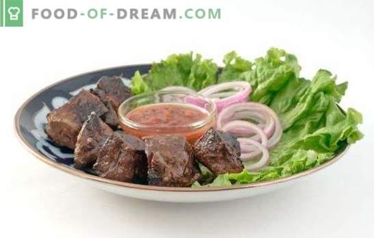 Pečena goveja jetra: celotna skrivnost svežosti proizvoda! Pečeni recepti za govedino iz jeter: v kisle smetane, paradižniku in sojini omaki