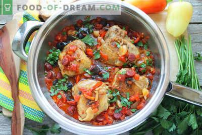Kip koken in het Spaans: met tomaten, wijn en rookworst