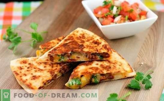 Tortilla met kaas is een smakelijke burrito! Thuis koken Mexicaanse tortilla met kaas met behulp van eenvoudige recepten