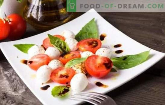 Italiaanse voorgerechten - de wereld van harmonieuze combinaties. Recepten eenvoudige en heerlijke Italiaanse hapjes van kaas, aubergine, tomaten, vlees en kip