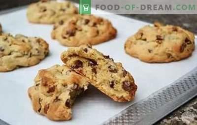 Heerlijk mooie en heerlijk knapperige walnootkoekjes. Zand, kwark en havermout - recepten koekjes met walnoten