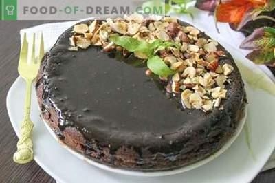 Chocolade cupcake met chocoladesuikerglazuur en hazelnoten