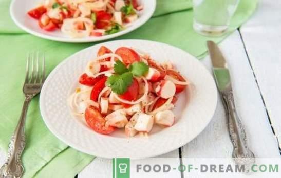 Krabsalade met tomaten - echte schoonheid in eenvoud! Top 10 bewezen recepten voor krabsalade met tomaten