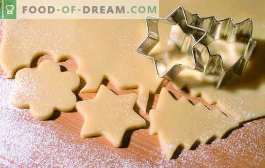 Zandkoekjes - snel! We verblijden huishoudens met zandkoekjes haastig: kokosnoot, chocolade, suiker