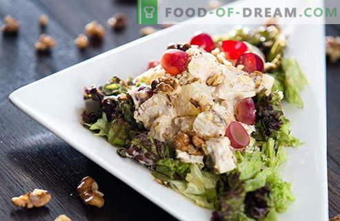 Salades met kip en walnoten zijn de beste recepten. Hoe goed en smakelijk een salade bereiden met kip en noten.
