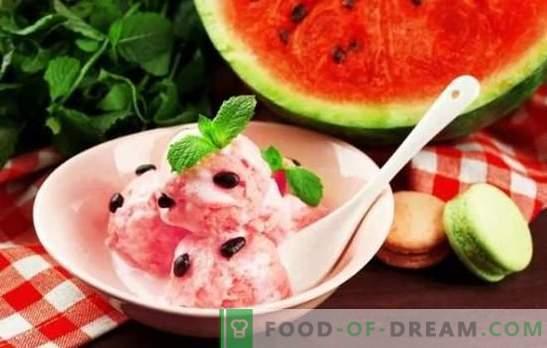 Watermeloenijs - zomerkoelheid! De beste recepten voor watermeloenijs met room, melk, yoghurt, meloen, bananen