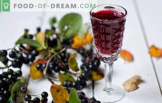 Wijn gemaakt van appelbes is een uniek drankje! Recepten die aromatische wijn van appelbes bereiden thuis