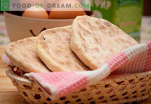 Platte cakes: kaas, maïs, vers, rogge, honing - de beste recepten. Taarten bakken op water, melk of kefir - in de oven of in een pan.